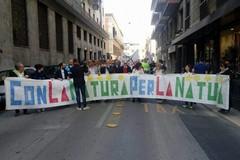 Tutti a Bari per dire No all'inceneritore Newo al grido #cisiamorottiipolmoni