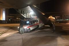 Necessita di un trapianto salva-vita, 25enne trasportato con l'aereo ambulanza da Bari a Torino