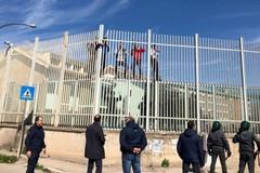 Evaso dal carcere di Foggia, si costituisce il 20enne di Bari