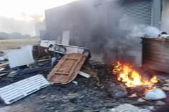 Bari, a fuoco sei cassonetti nel deposito Amiu di San Pio