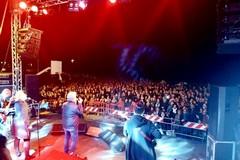 Successo per Fausto Leali a Torre Quetta. Il concerto gratuito inaugura la stagione estiva