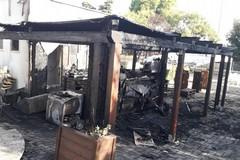 Cellamare, prende fuoco il bar del parco in via Bari