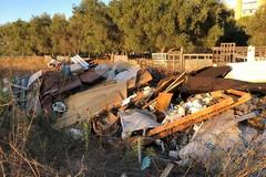 Abbandono di rifiuti nelle campagne del municipio IV, due discariche a Santa Rita e Ceglie