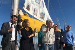Bari social book, nasce una biblioteca a bordo della barca confiscata alla mafia