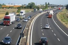 Traffico da bollino rosso per il primo rientro, tamponamento tra 5 veicoli in A14 a Bari