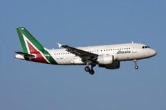 Coronavirus, con Alitalia torna il Bari - Milano