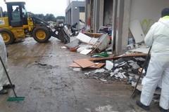 Mercato di San Pio, Amiu al lavoro per rimuovere i rifiuti