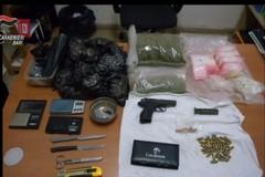 Armi clandestine, spaccio ed evasione: sei arresti e una denuncia a Bari