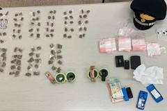 Spaccio di droga ed evasione dai domiciliari. Cinque arresti a Bari