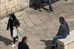 Assembramenti a Bari vecchia, Decaro: «Rischiano multa da 3mila euro»