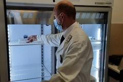 Bari, scoperti con 30 dosi di vaccino Astrazeneca su una nave diretta in Albania