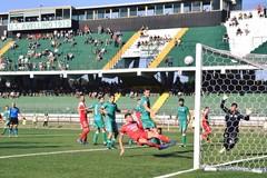 L'Avellino passa di rigore, il Bari è fuori dalla coppa Italia di serie C