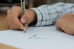 Coronavirus, l'appello del Comune ai bambini di Bari: «Scrivete un messaggio per gli anziani soli»