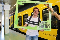 """Greenpeace premia gli """"eroi"""" della mobilità sostenibile"""