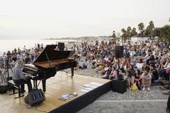 Bari piano festival, lo spettacolo del concerto all'alba a Torre Quetta