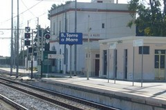 Stazione di Torre a Mare, i cittadini chiedono a gran voce un'area parcheggio