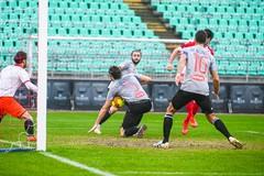 Poco concreto e penalizzato dall'arbitraggio, il Bari apre il 2021 con un grande rimpianto