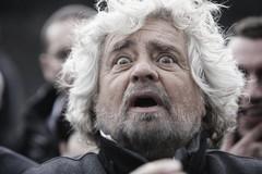 Beppe Grillo a Bari, ma niente comizi solo teatro