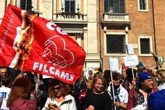 Contratto scaduto da sei anni, dipendenti pulizie e servizi integrati in sciopero