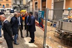 Lavori per la fogna in corso in via De Napoli. Da Aqp 125 milioni per cantieri a Bari