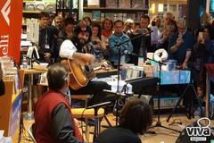 Vinicio Capossela presenta il suo ultimo album a Bari