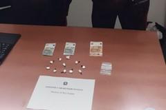 Bari, nasconde 11 grammi di cocaina: arrestata ragazza di 21 anni