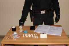Spaccia droga in casa, arrestato 29enne in provincia di Bari