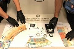Japigia, in casa aveva cocaina e 8mila euro in contanti. Scattano arresto e sequestro