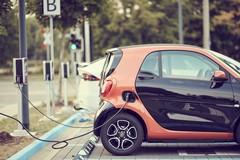 Bari a sostegno della mobilità elettrica, presto 44 nuove postazioni di ricarica