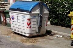 Bari, ad aprile non cambia l'orario di conferimento dei rifiuti indifferenziati