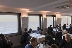 Bari, gli chef organizzano la cena all'alba per chiedere attenzione al settore