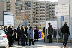 Vaccinazione al personale scolastico, chiuse alcune scuole a Bari