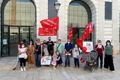 Diritto dei bambini all'istruzione, il flash mob in piazza di Cgil Bari