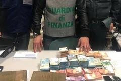 Porto di Bari, nascondevano cocaina e contanti nel camion carico di patate. Arrestati