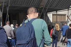 Fase due, lunghe code all'ingresso del Tribunale di Bari