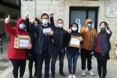 Casamassima, la comunità cinese distribuisce mascherine al paese
