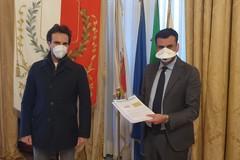 Emergenza Coronavirus, una lavanderia di Bari dona 5mila euro al Comune