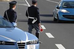 Scoperto senza patente alla guida dà false generalità ai poliziotti, denunciato
