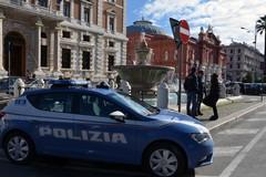 Ruba merce da una libreria nel centro di Bari, arrestati 35enne