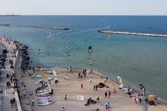 """Bari, ecco il primo """"corridoio di lancio"""" per surf e sup: """"Garantisce la sicurezza dei bagnanti"""""""