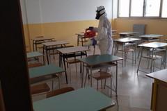 Bari, la chiusura della scuola ha bloccato i contagi in classe