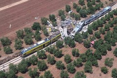 Strage treni in Puglia, udienza a Trani. Nuovo no al patteggiamento per il capostazione