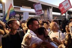 Bari celebra la giornata contro l'omo-bi-transfobia, Decaro: «Combattiamo odio e violenza»