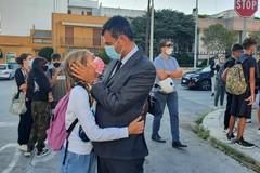 A Bari parte la scuola nell'epoca Covid, Decaro: «Insieme ce la faremo»