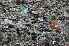 Trovate 20mila tonnellate di rifiuti di troppo, sequestro alla Recuperi Pugliesi a Bari