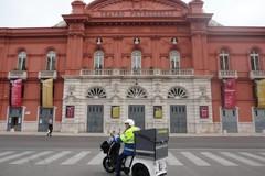 Poste Italiane, a Bari in servizio venti nuovi tricicli elettrici per i portalettere