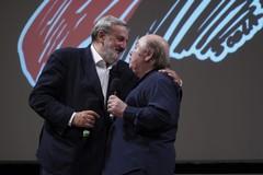"""Bifest, premio alla carriera a Lino Banfi. Emiliano: """"Questa è casa tua"""""""