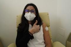 Bari, partono le vaccinazioni anti Covid per il personale scolastico