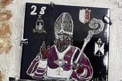 """Il Covid annulla il """"Nicolino d'oro"""", a Bari vecchia un'edicola votiva mantiene viva la tradizione"""