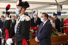 A Catanzaro la camera ardente per Jole Santelli, Emiliano: «Porto il dolore delle Regioni d'Italia»